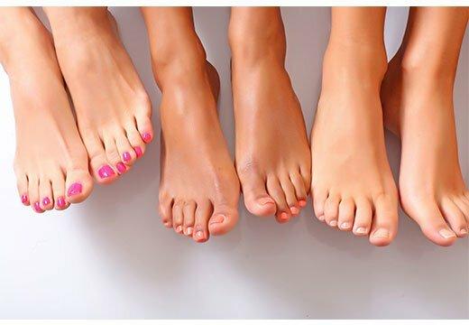 Три пары ног