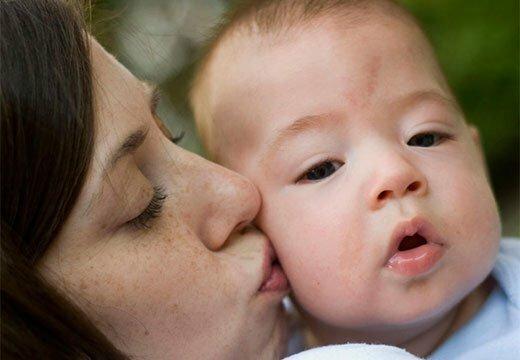 Пятно на лбу у малыша