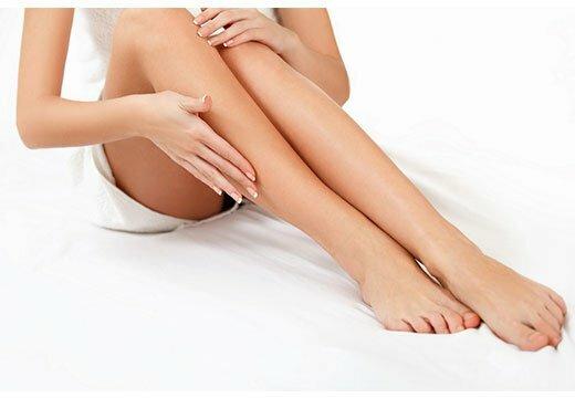 ухоженная кожа на ногах у женщины